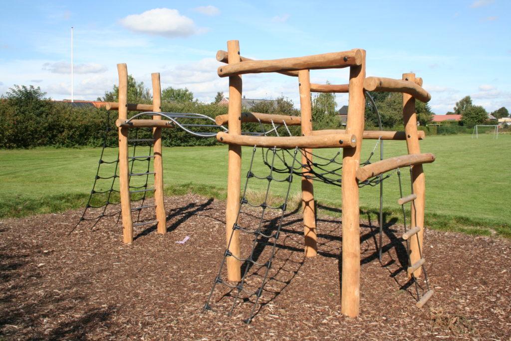 Structure à grimper en robinier